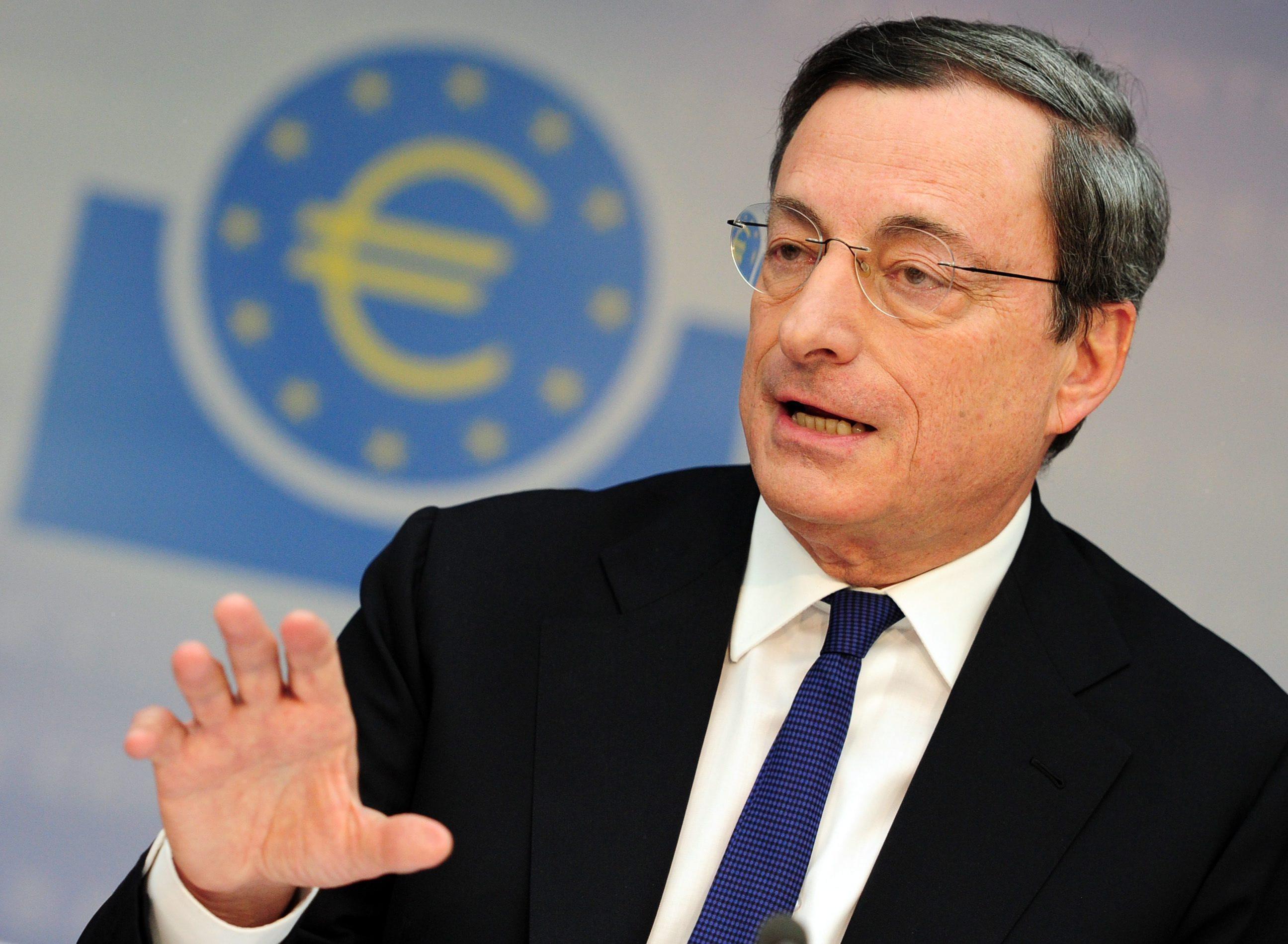 Draghi acalla rumores sobre disensiones y sigue con la puerta abierta a más medidas