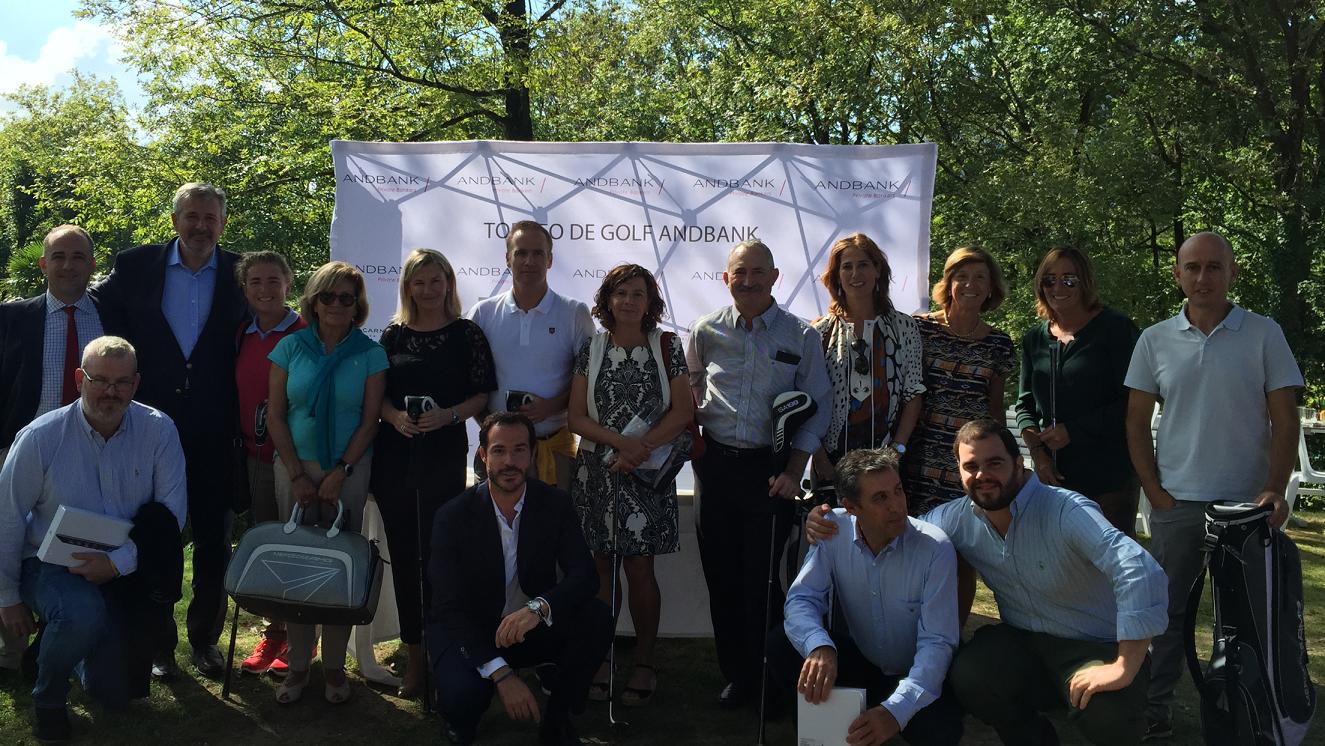 El Torneo de Golf Andbank reúne a cerca de 90 jugadores en San Sebastián