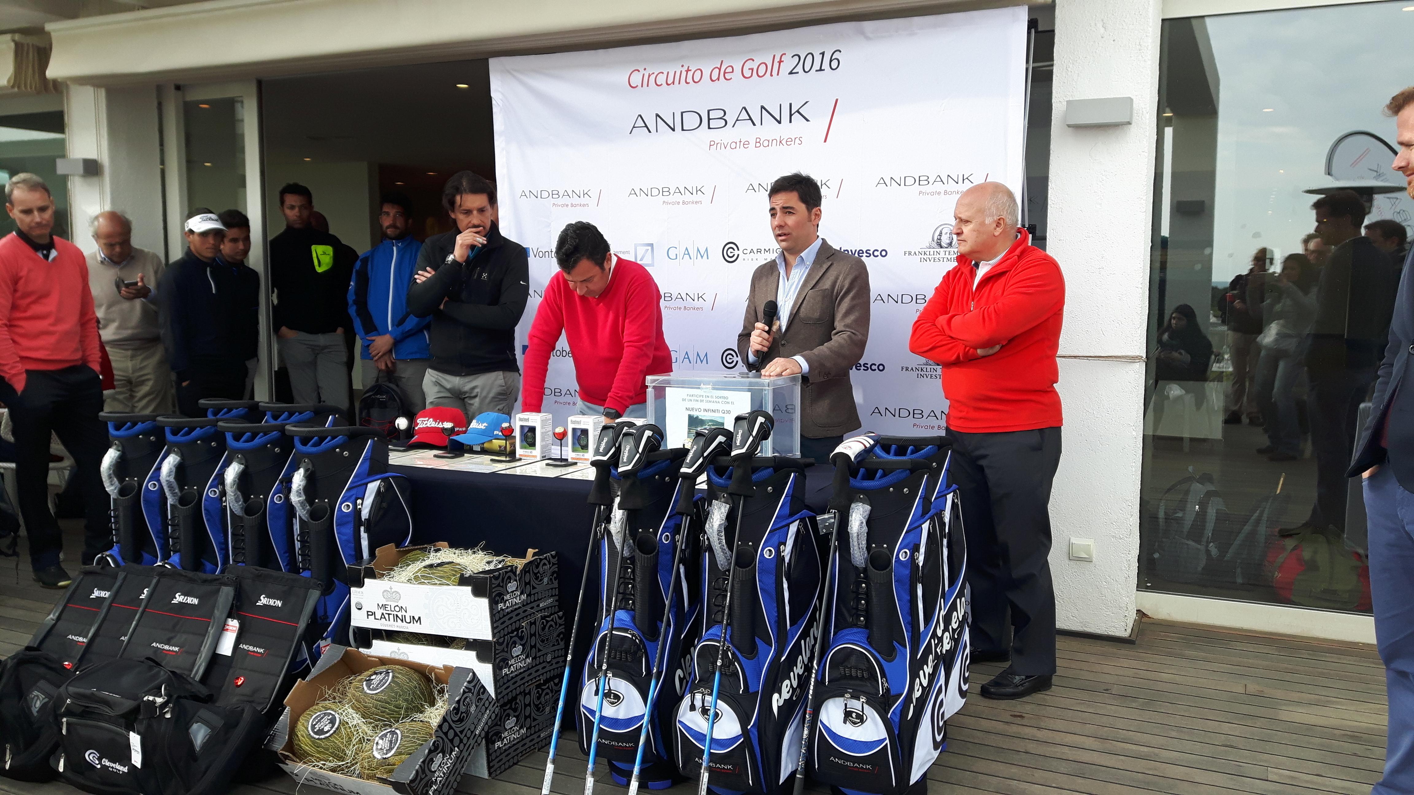 El primer torneo del circuito de golf Andbank reúne a más de 80 jugadores en Sitges