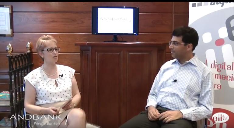 """Charlamos con Vishy  Anand, pentacampeón mundial de ajedrez: """"Las finanzas y el ajedrez comparten el talento para organizar información"""""""