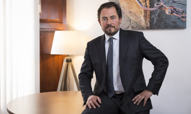 """Robert Casajuana: """"El trato con el cliente es presencial; la operativa, tecnológica"""""""