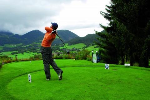 Inversis Banco patrocina un torneo de golf solidario contra la crisis