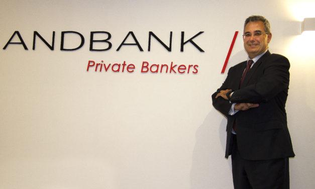"""Luis Aramburu: """"La independencia que le aporta un agente financiero al cliente es su seguro de vida"""""""